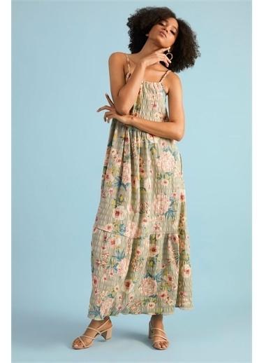 Z Giyim Kadın  Çağla  Çiçek Desenli Askılı Elbise Yeşil